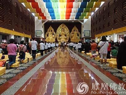 昆明宝华寺举行五路财神祈福法会